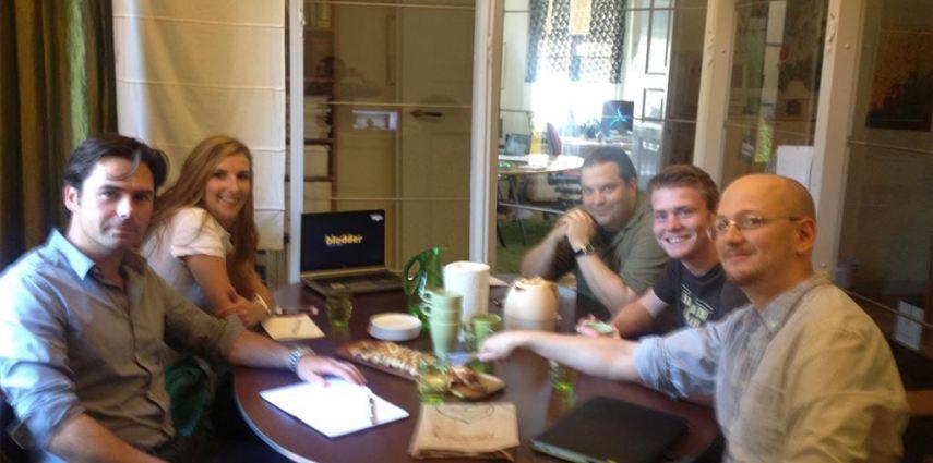 Web meeting, Blodder